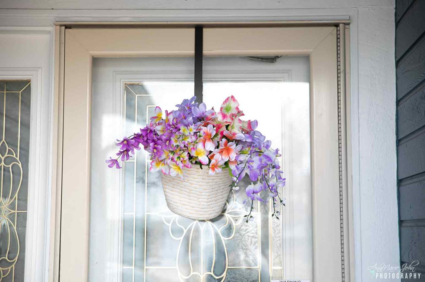 DIY Hanging Basket With Flowers