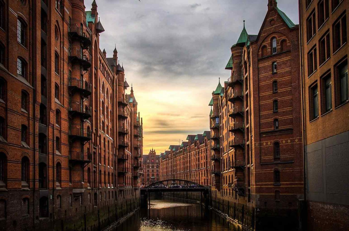 Travel Tips for How to Save Money While Traveling in Europe