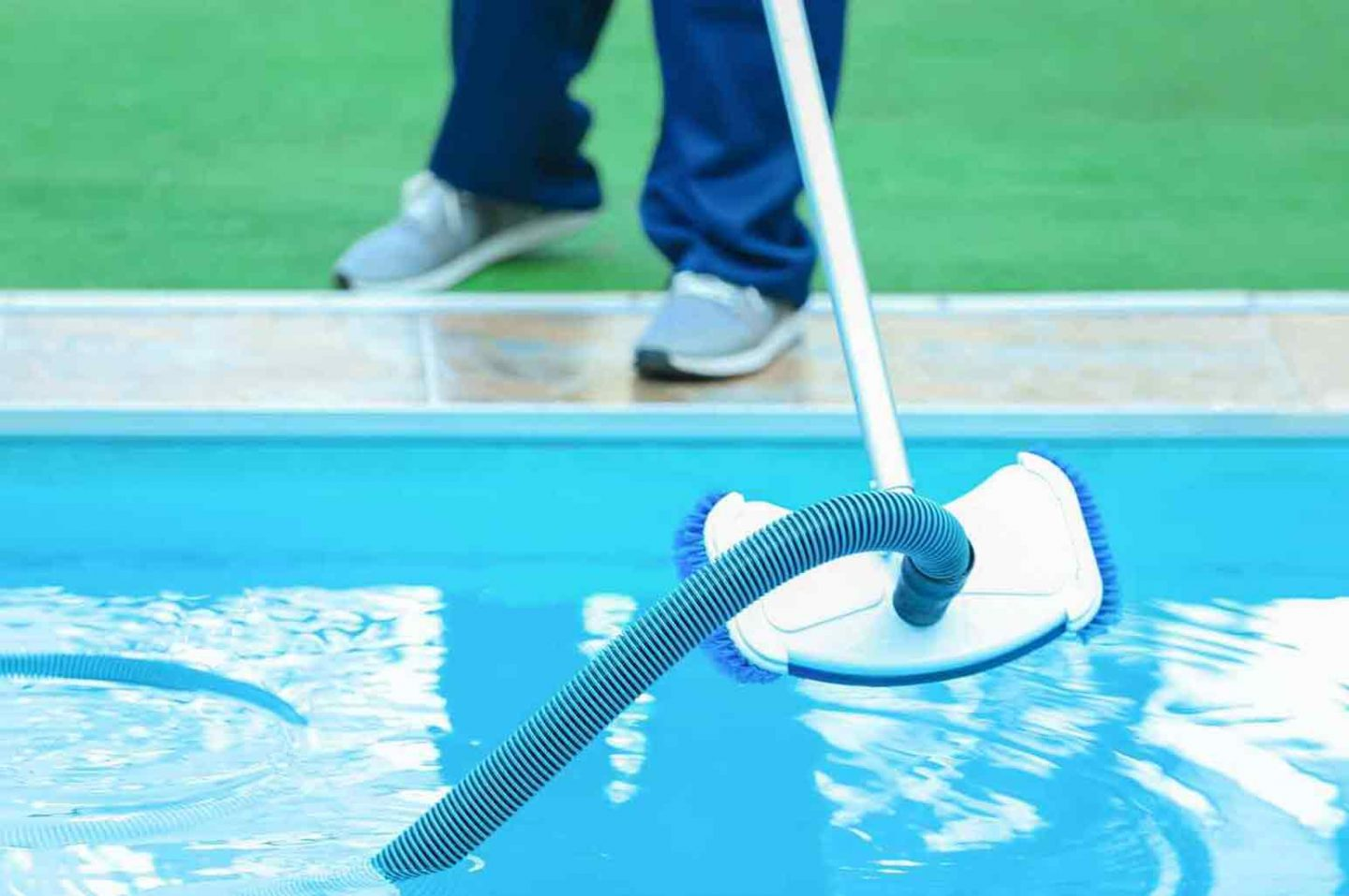 How to Properly Take Care and Maintain Your Pool